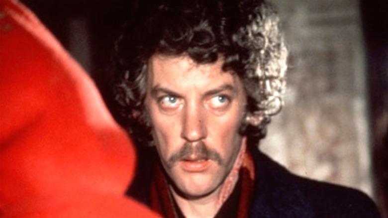 Donald Sutherland as John Baxter talking