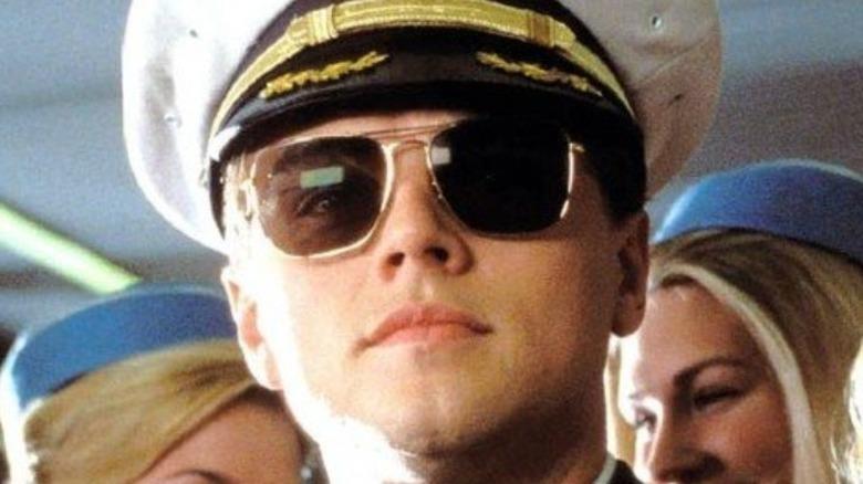 Leonardo DiCaprio Frank Abagnale pilot outfit