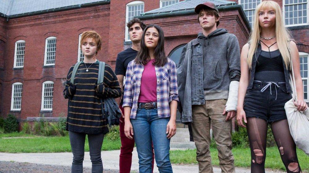 Maise Williams, Anya Taylor-Joy, Blu Hunt, Charlie Heaton, and Henry Zaga in The New Mutants