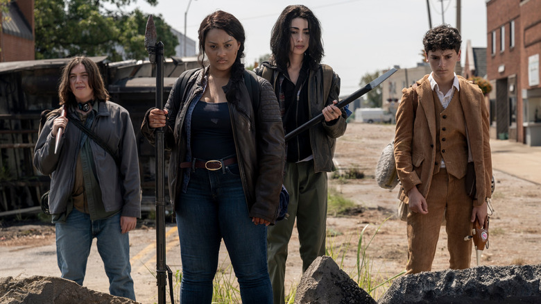 The main cast of The Walking Dead: World Beyond