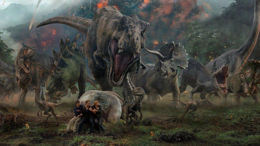 Chris Pratt and Bryce Dallas Howard in promo art for Jurassic World: Fallen Kingdom