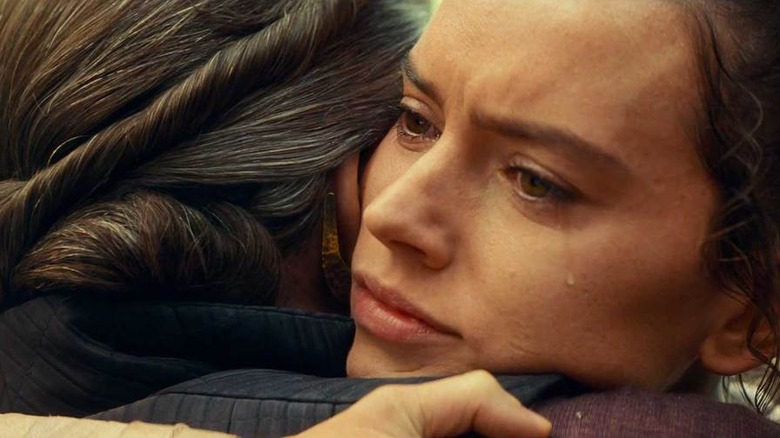 Princess Leia and Rey in The Rise of Skywalker