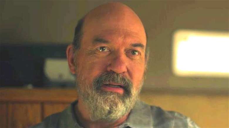 Larry Bitterman (John Carroll Lynch) with a beard in Drive In episode of Ameerican Horror Stories