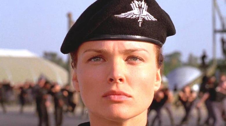 Starship Troopers Dina Meyer in black beret