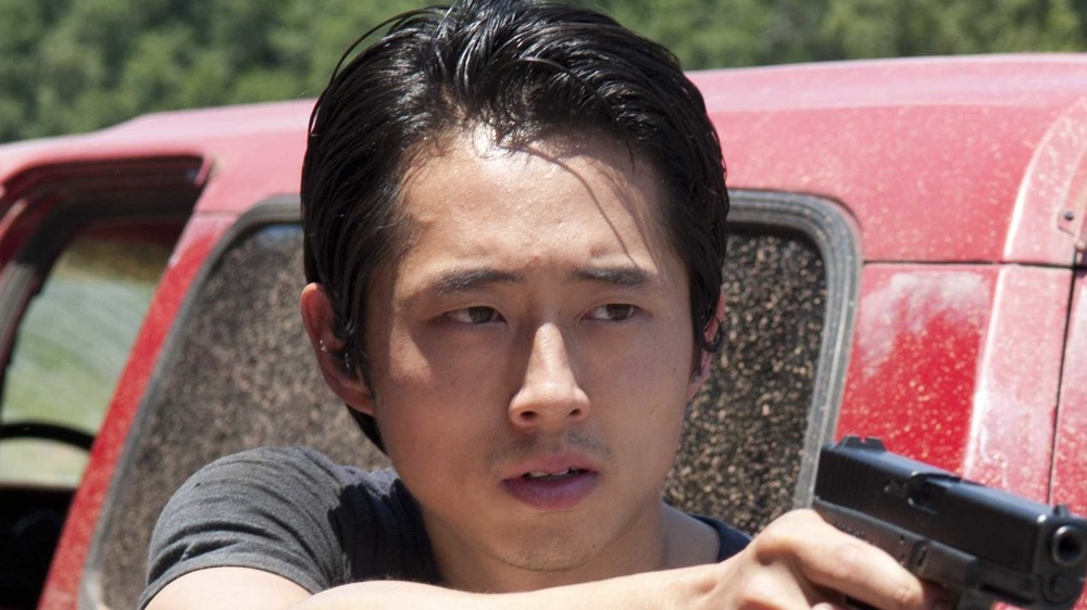Steven Yeun Glenn Rhee gun truck