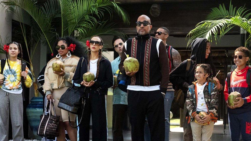 Kenya Barris and the cast of #blackAF