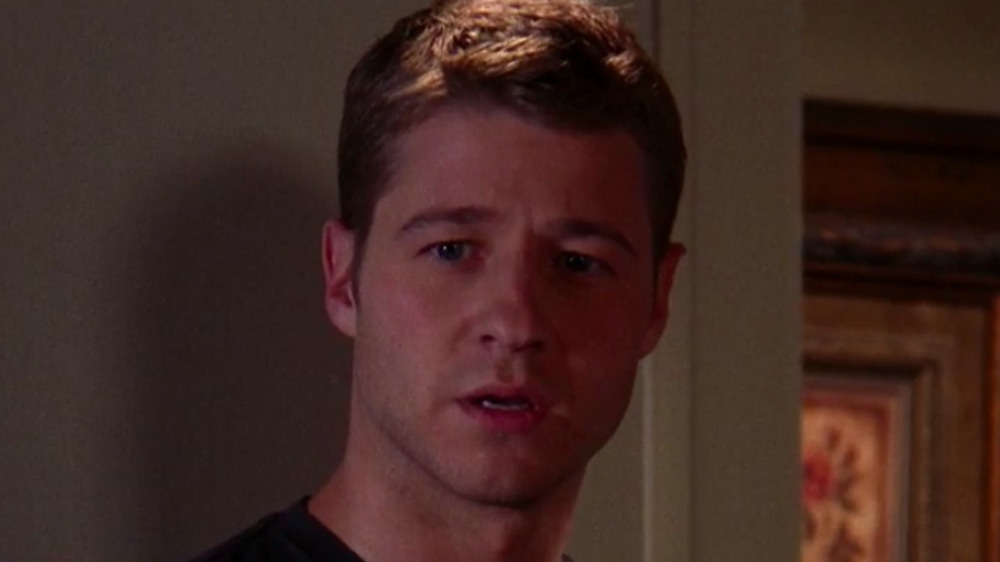 Ryan Atwood looking confused