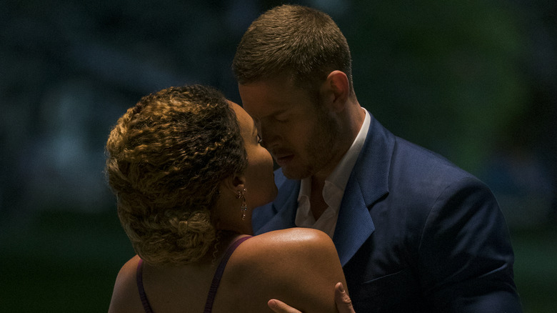 Emmy Raver-Lampman as Allison and Tom Hopper as Luther on The Umbrella Academy