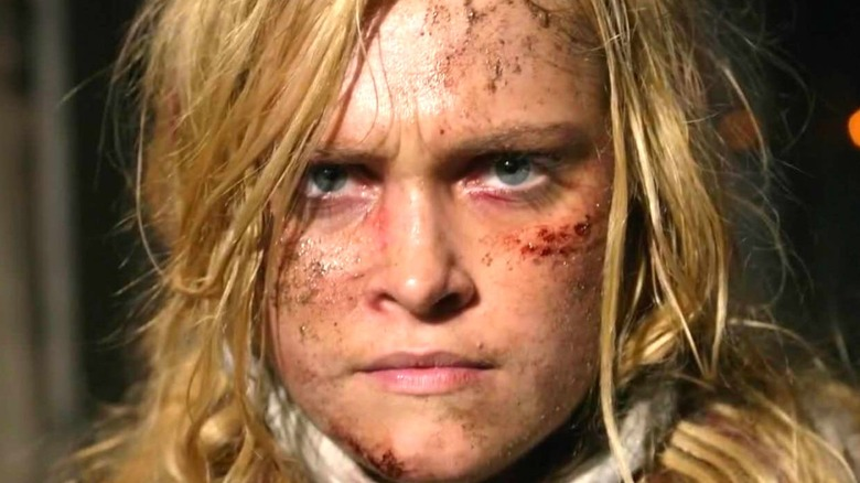 Clarke Griffin face scratched