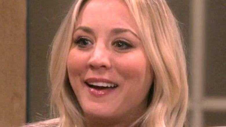 Penny smiles on The Big bang Theory