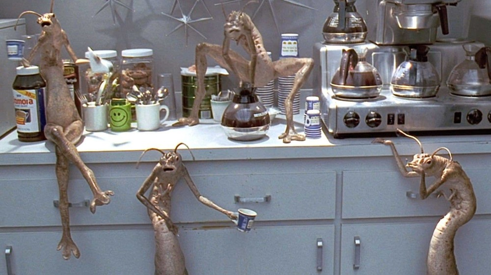 Men in Black's Worm Guys aliens take a coffee break