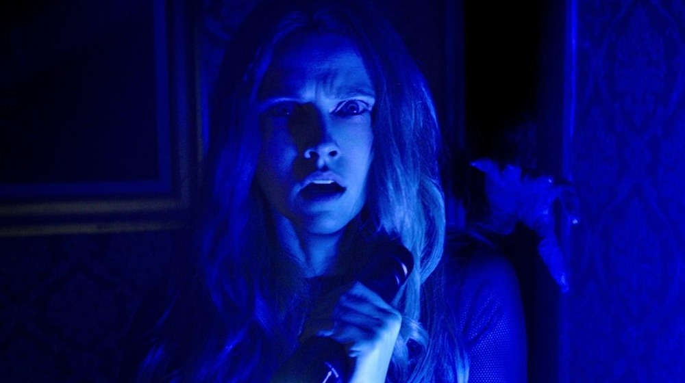 A still from Lights Out