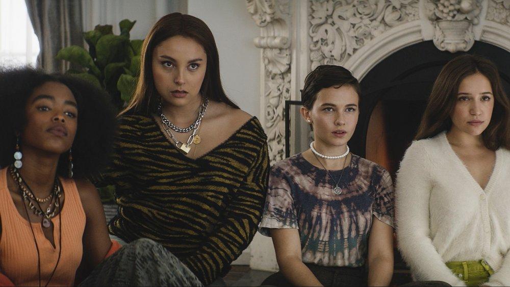 Gideon Adlon, Lovie Simone, Zoey Luna, and Cailee Spaeny in The Craft: Legacy