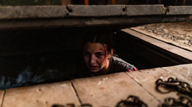 Julia Wieniawa-Narkiewicz as Zoisa in Nobody Sleeps in the Woods Tonight