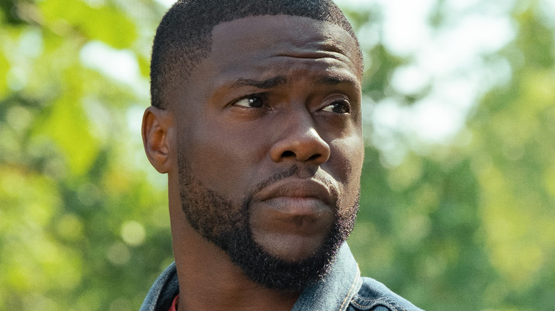 Kevin Hart looking to the side