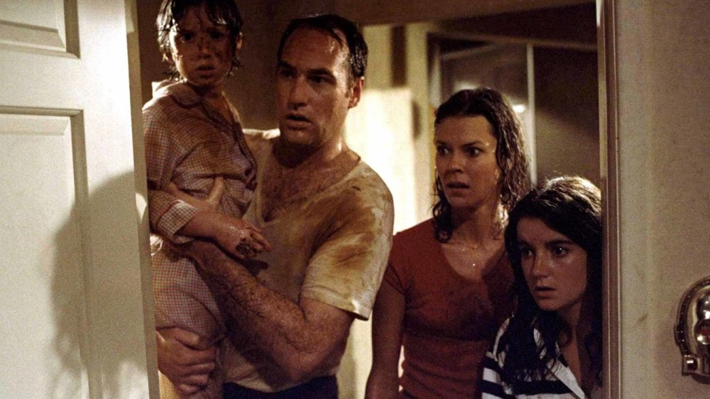 The Freelings frantically search for Carol Ann in 'Poltergeist' (1982)