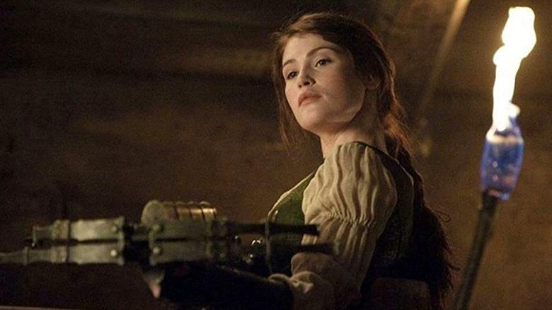 Gemma Arterton holding a crossbow in Hansel & Gretel: Witch Hunters