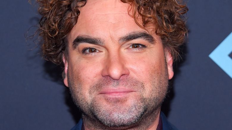 A picture of Johnny Galecki.