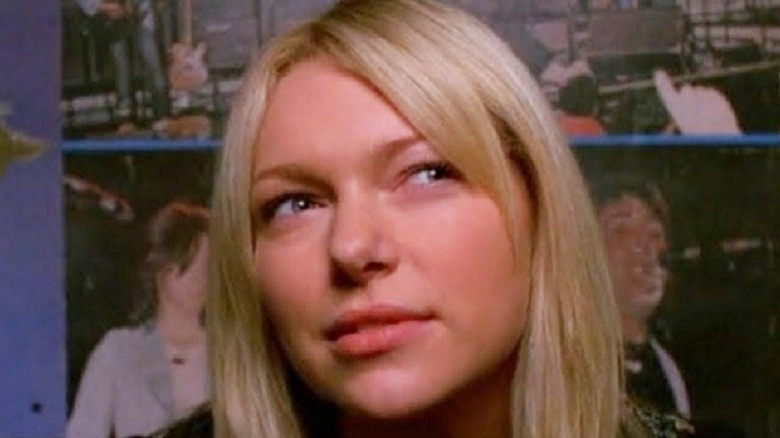 Blond Donna Pinciotti in the circle