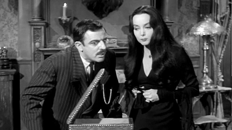 Gomez and Morticia look for Thing