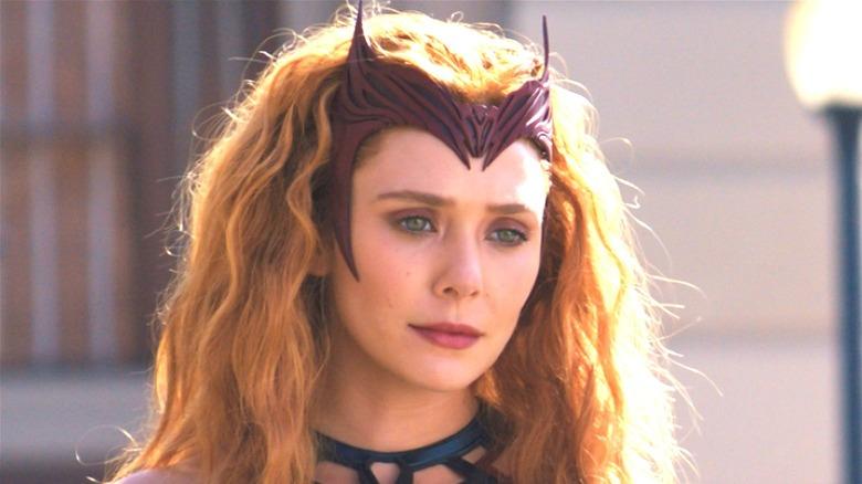 Elizabeth Olsen Scarlet Witch costume