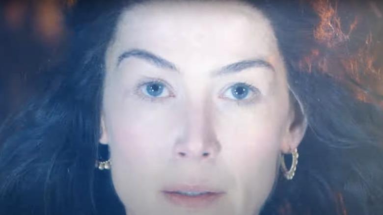 Moiraine headshot