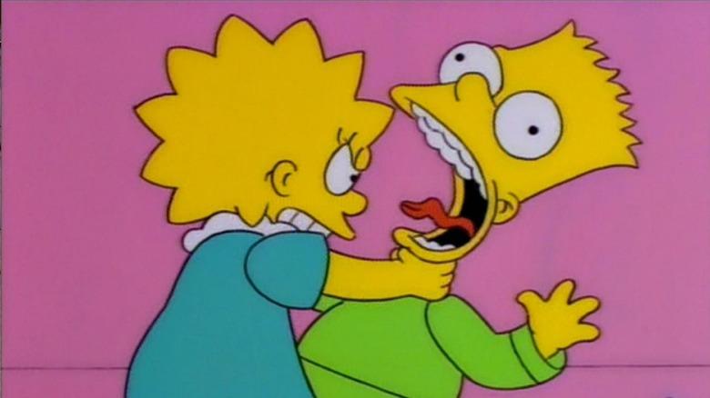Lisa strangles Bart