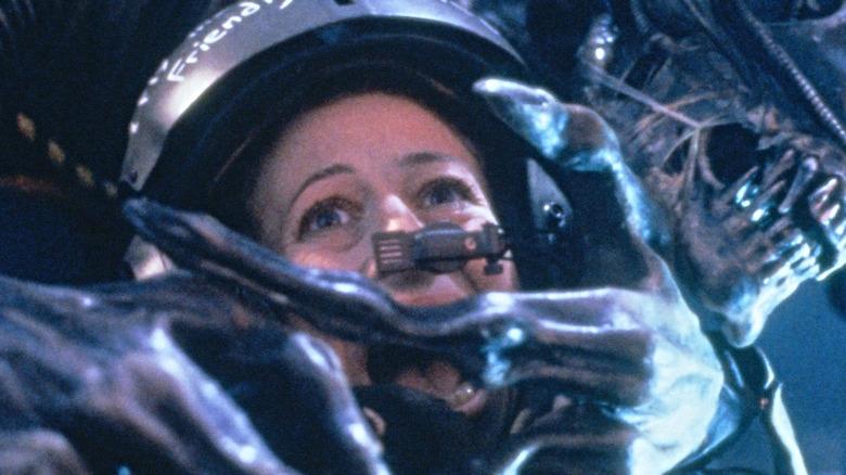 Xenomorph attacking woman in Aliens