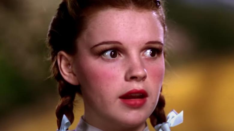 Dorothy encounters Scarecrow