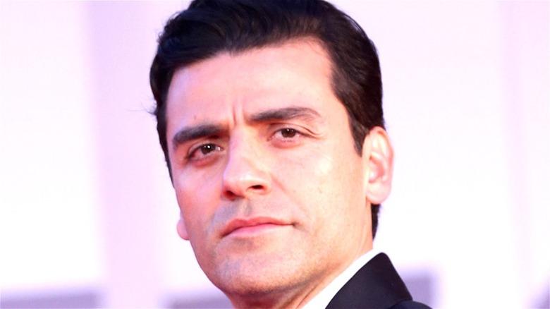 Oscar Isaac red carpet