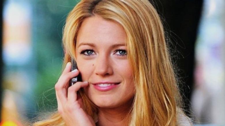 Serena Gossip Girl on phone