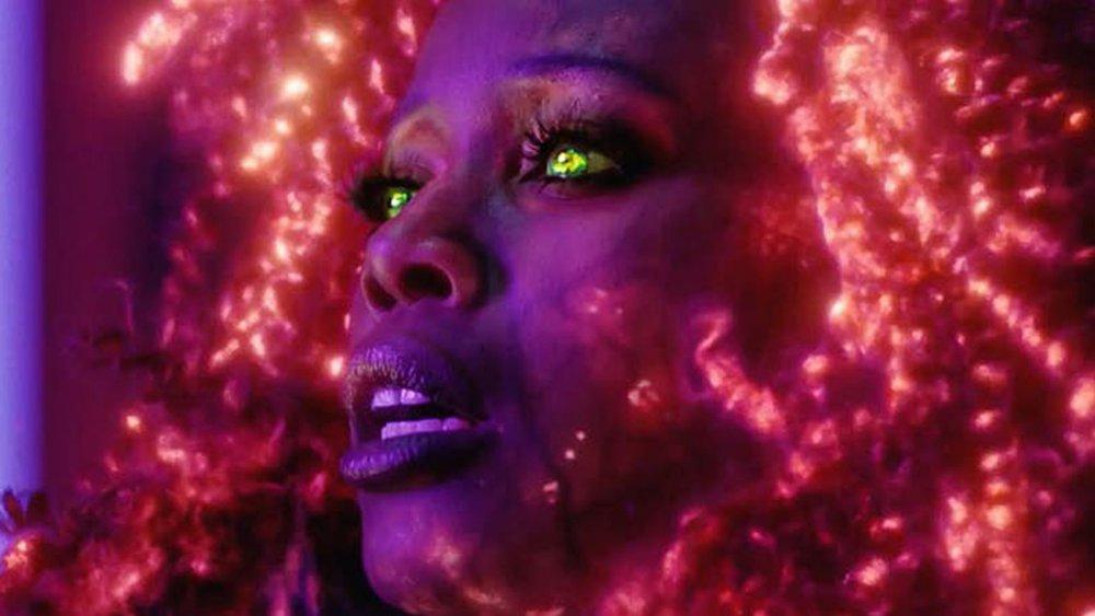 Anna Diop plays Starfire on Titans