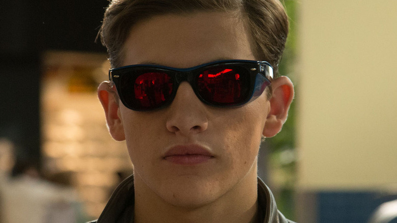 Cyclops dons his glasses