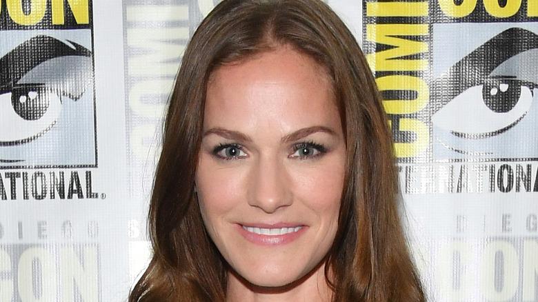 Actor Kelly Overton