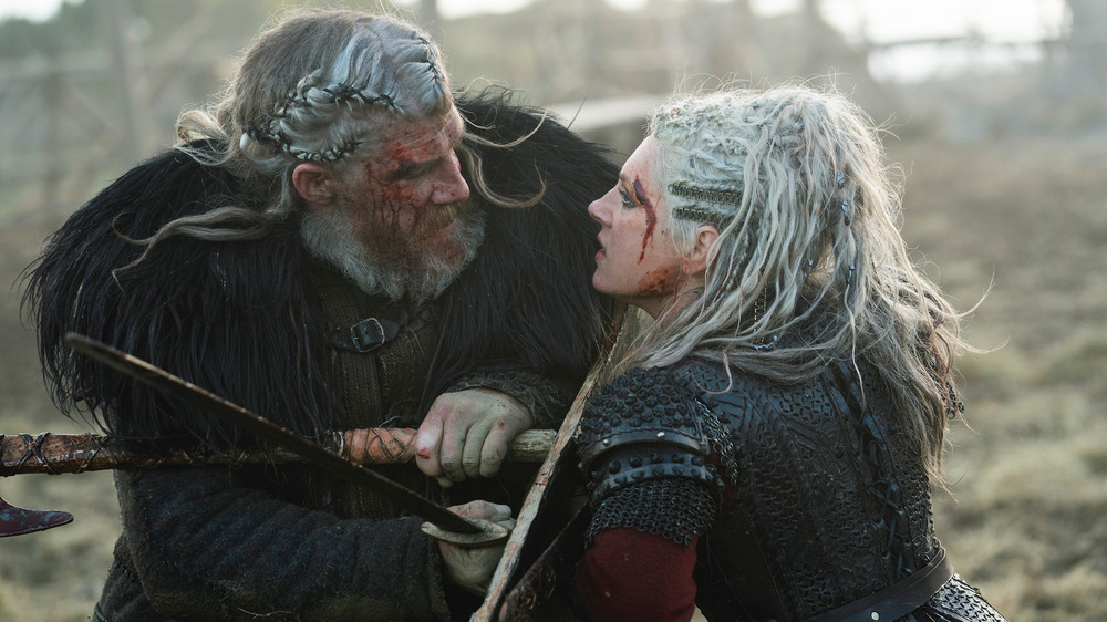 Lagertha bloody and fighting in battle