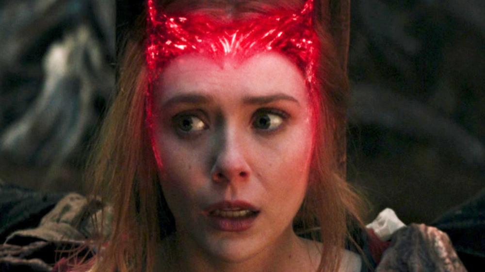 Elizabeth Olsen Scarlet Witch tiara WandaVision finale