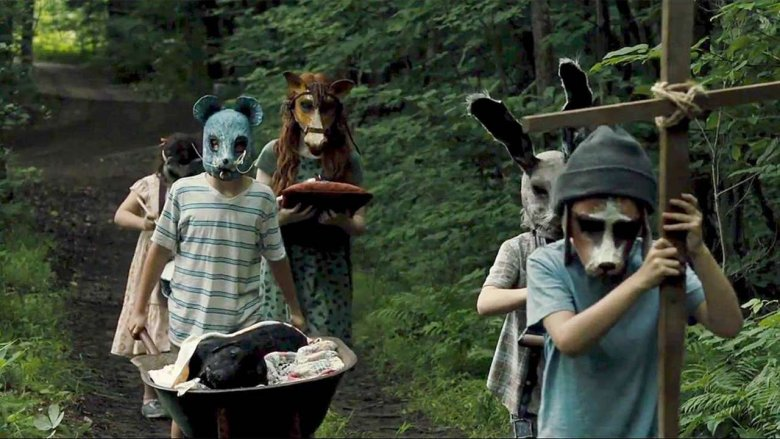 The masked children from 'Pet Sematary' (2019)