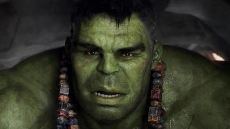 Hulk wearing Sakaaran necklaces