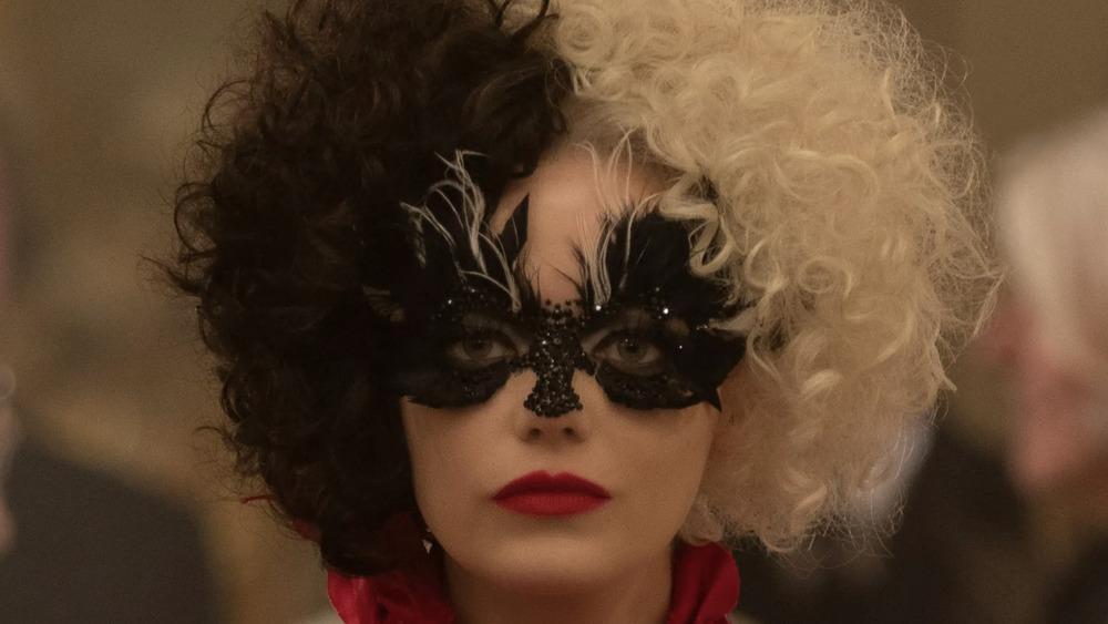 Emma Stone Cruella masquerade mask