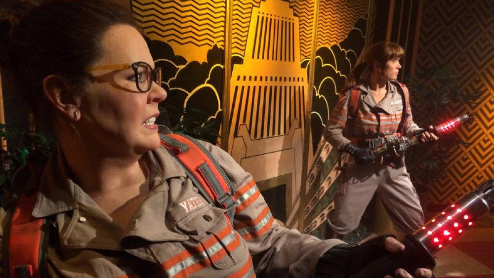Melissa McCarthy and Kristen Wiig in Ghostbusters (2016)