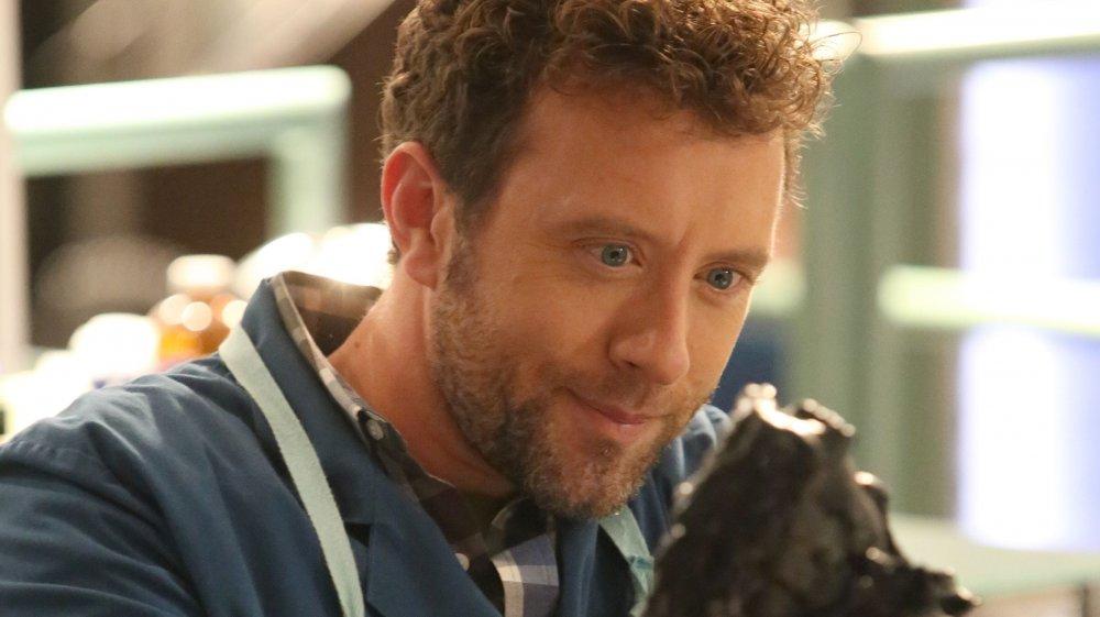 T.J. Thyne as Dr. Hodgins on Bones