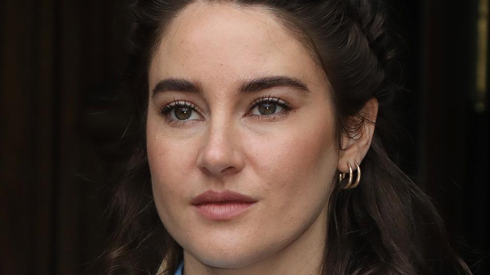 Shailene Woodley gold earrings