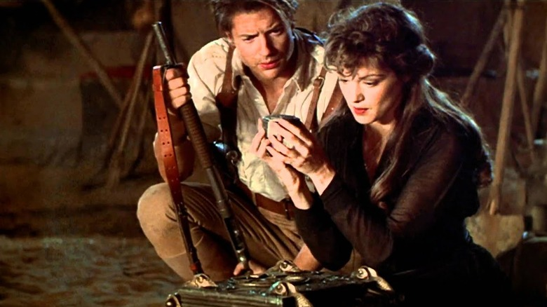 Brendan Fraser as Rick O'Connell and Rachel Weisz as Evelyn Carnahan in The Mummy