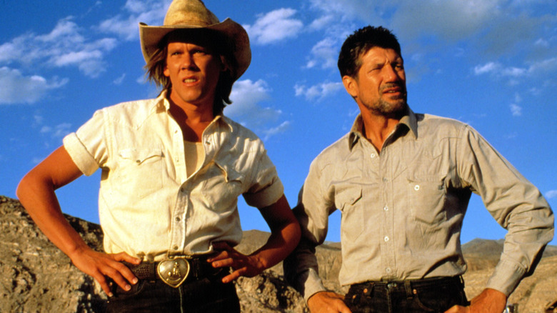 Kevin Bacon and Fred Ward in Tremors