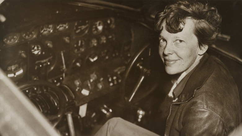 What The Pawn Stars Paid For An Amelia Earhart-Signed Book