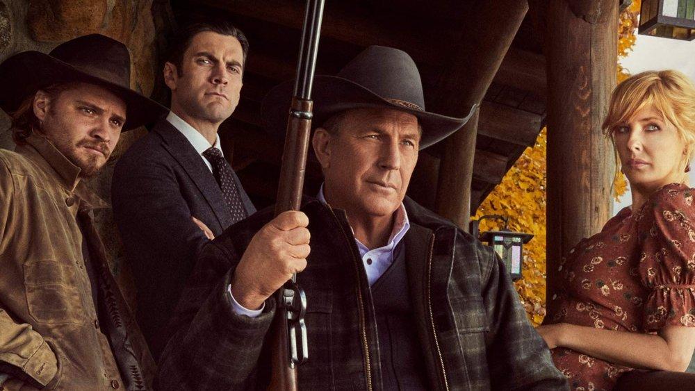The Dutton family on Yellowstone season 3