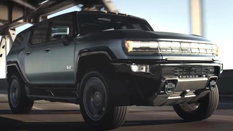 Hummer EV SUV