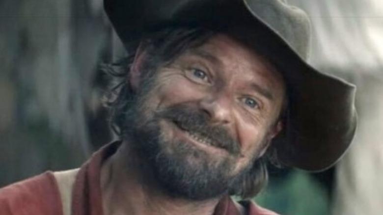 Steve Zahn Chase grinning