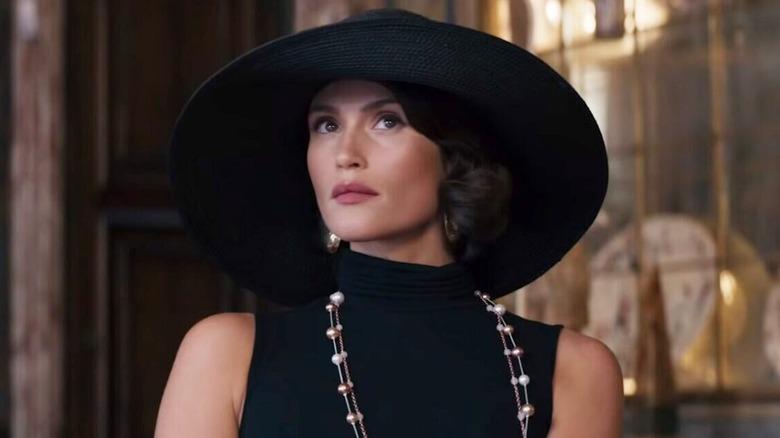 Gemma Arterton as Grace Ballard in Murder Mystery