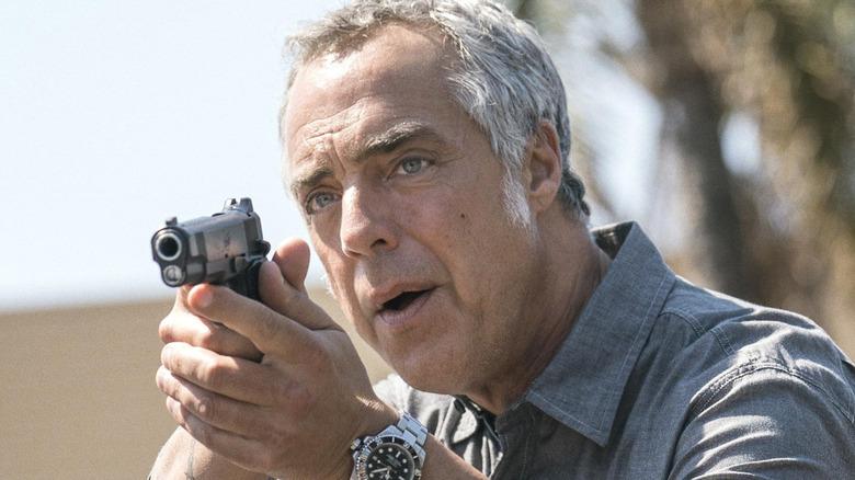 Harry Bosch aiming a gun
